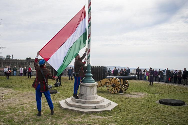 Verein zur Erhaltung der Muttersprache im Karpatenbecken bewegt jährlich mehr als zehntausend Jugendliche