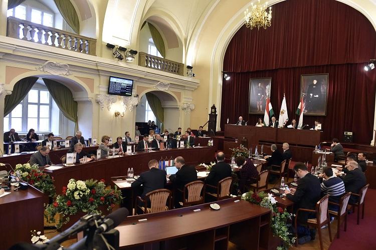 Budapester Bezirke gegen Regierungsmaßnahmen