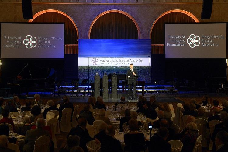 Freunde von Ungarn Preis erstmals verliehen post's picture