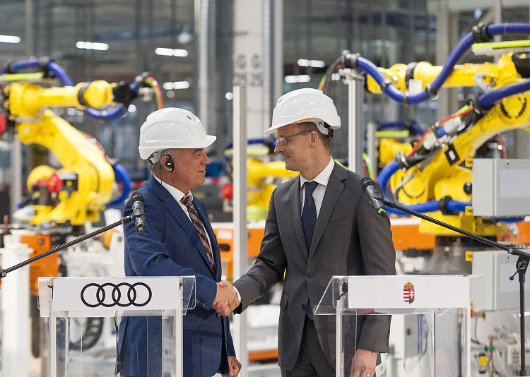 Außenminister Szijjártó: Die Autoindustrie in Ungarn soll 2017 neues Rekordjahr haben