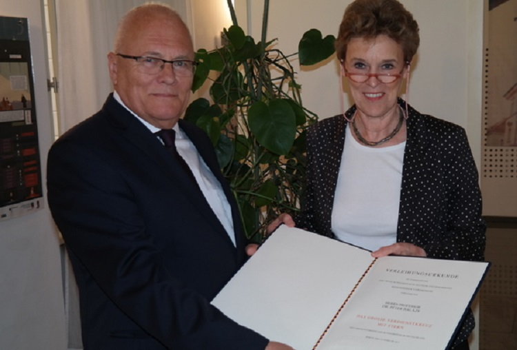 Bundesverdienstkreuz für Professor Péter Balázs post's picture