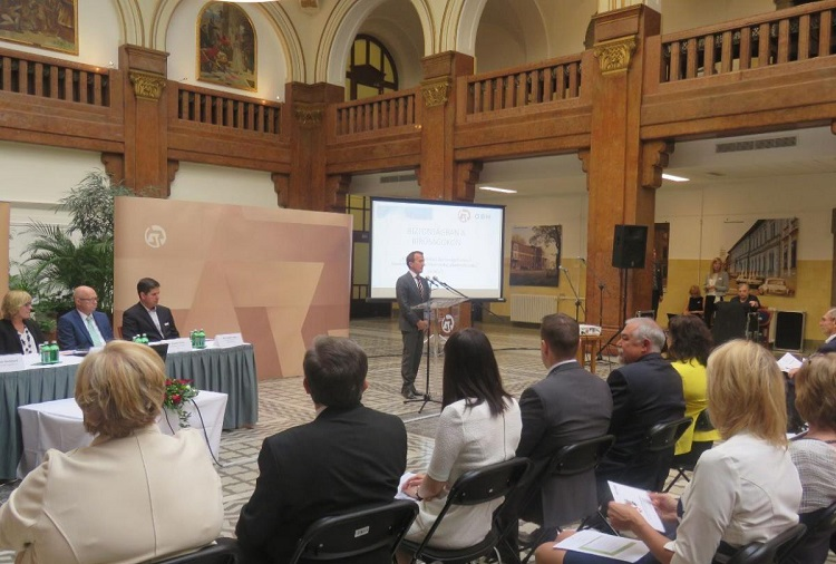 Schweizerisch-ungarische Kooperation – Erhöhte Sicherheit in ungarischen Gerichtshöfen