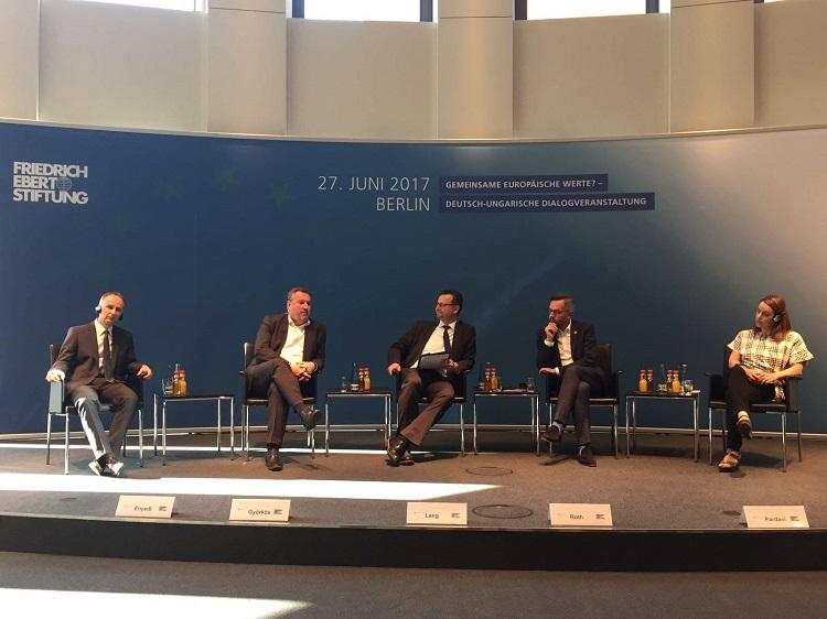 """""""Gemeinsame europäische Werte?"""" – Deutsch-ungarischer Dialog in Berlin"""