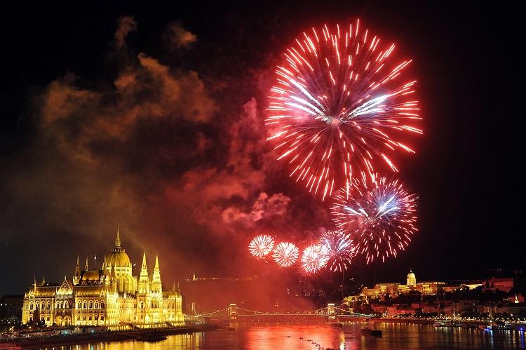 So wurde Ungarns Nationalfeiertag, 20. August gefeiert – Galerie