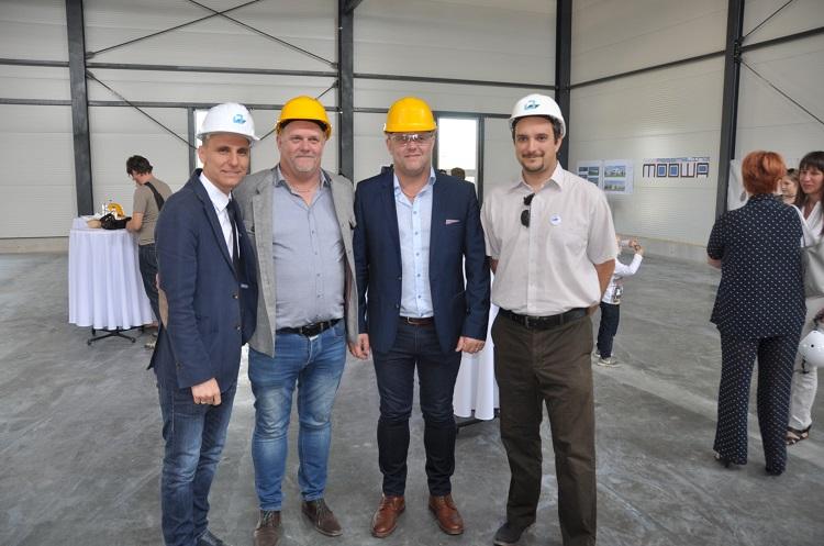 MooWa Assembling baut neue Produktionshalle in Tata