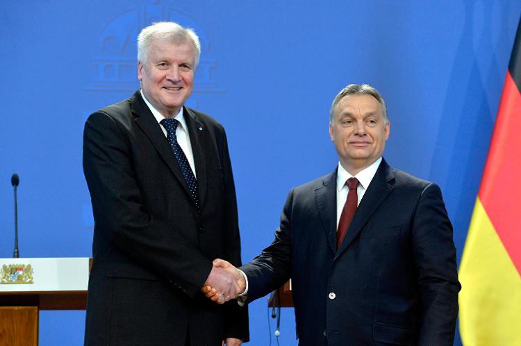 """Seehofer: """"Viktor Orbáns Rechnungsstellung kann ich nachvollziehen"""""""