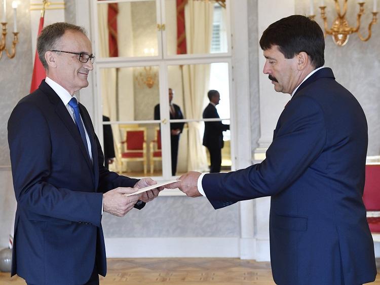 Der neue deutsche Botschafter in Ungarn übergab sein Beglaubigungsschreiben post's picture