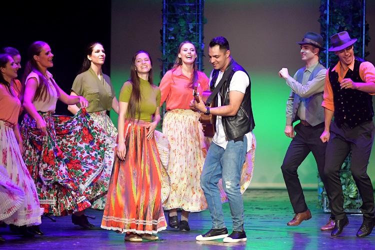 Ungarn gedachte mit einem Roma-Musical seinen Helden in Berlin