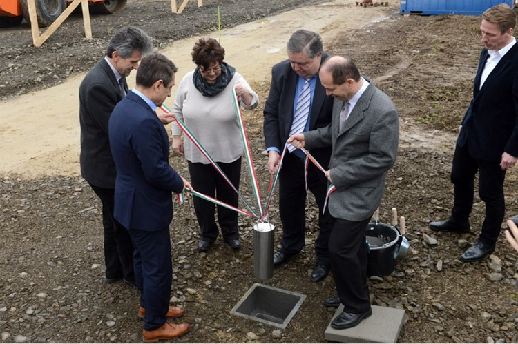 Grundsteinlegung für neues Schäfer-Oesterle-Werk in Bonyhád