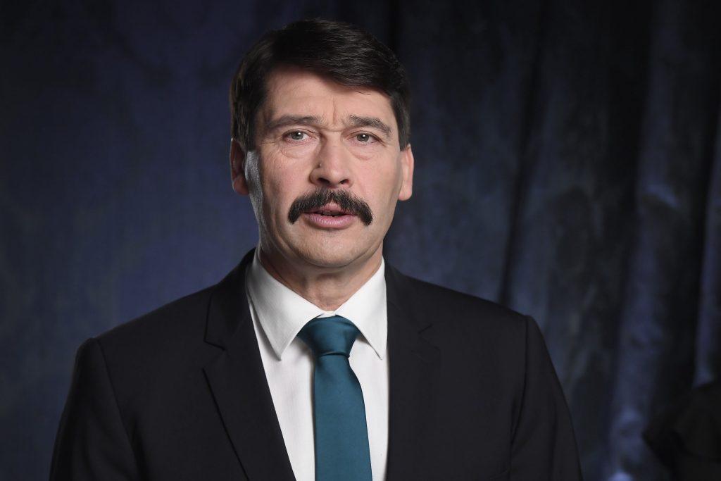 Terror in Wien: Präsident Áder spricht den Familien der Opfer sein Beileid aus