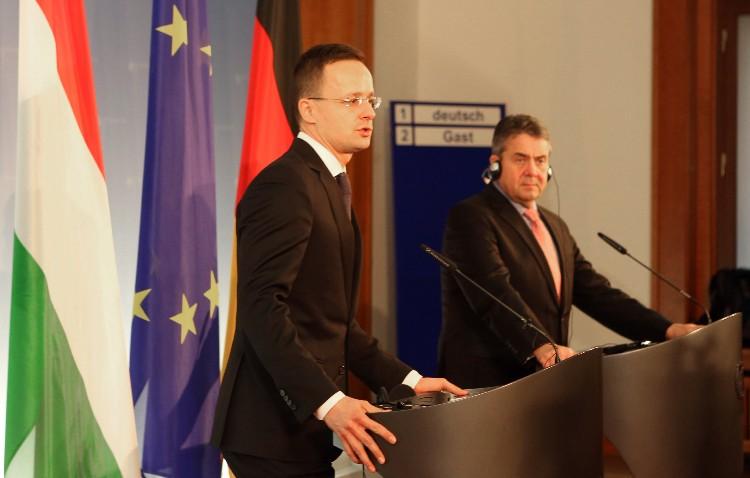 Außenminister Szijjártó bei Sigmar Gabriel in Berlin post's picture