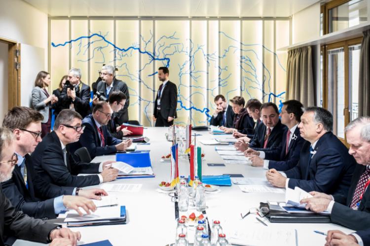 Ungarische Presseschau: UNO- und EU-interne Debatte um Migrationsquoten post's picture