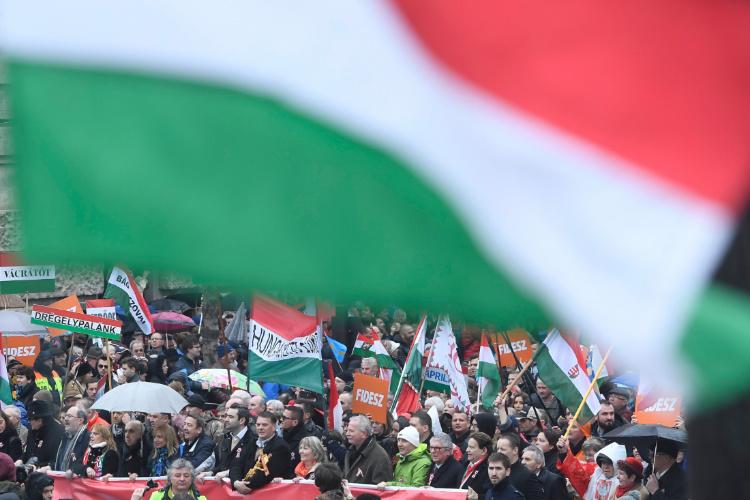 Alle gegen Orbáns Ungarn post's picture