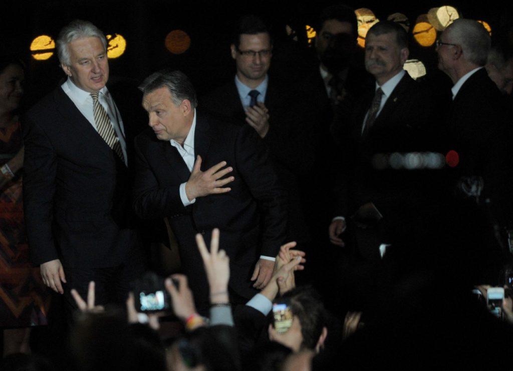 Ungarische Presseschau: Erklärungsversuche für den Triumph von Ministerpräsident Orbán post's picture