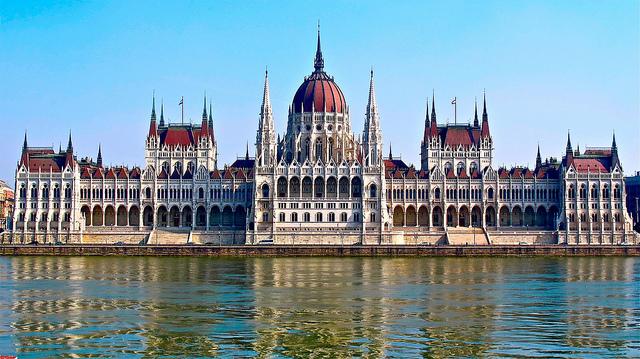 Hohe Teilnahme an den Parlamentswahlen – Ungarn wählt post's picture