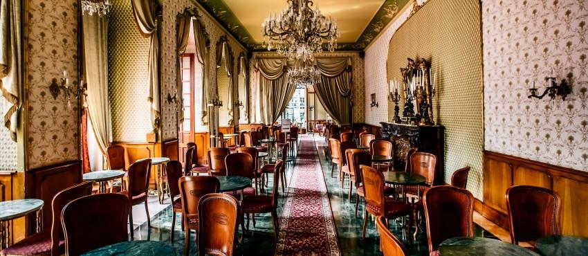 Klassische Kuchen zum 160. Geburtstag: Diplomatenpudding und Gänsefuß-Torte im Café Gerbeaud