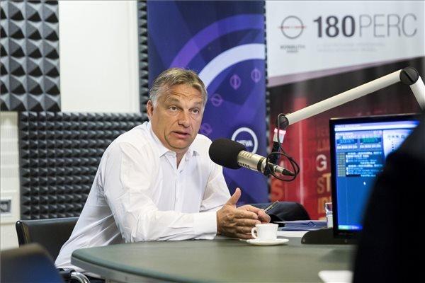 """Orbán: """"Es regnet noch nicht, einen Hurrikan gibt es überhaupt nicht, aber da sind Wolken am Himmel"""" post's picture"""