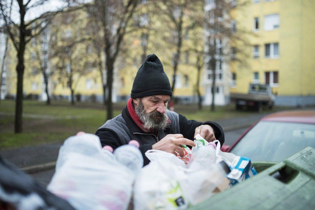 Mit dem Grundgesetz gegen Obdachlosigkeit – wieder?
