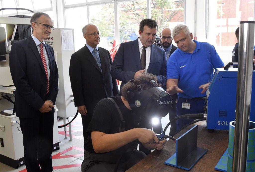 Partnerschulprogramm – duales Studium bei Siemens