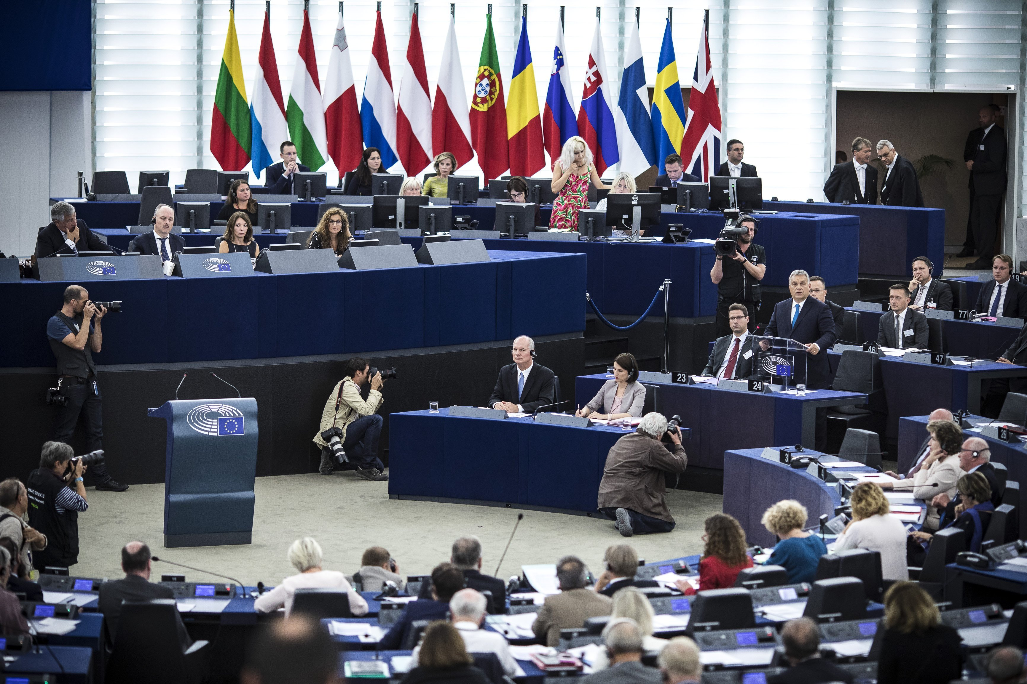 Budapost: Rechtsstaatlichkeitsmechanismus - Europaparlament fordert Maßnahmen gegen Budapest
