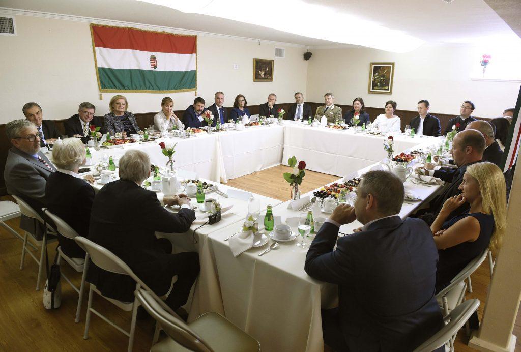 Ungarischer Präsident fordert Kooperation zwischen ungarischen Wissenschaftlern in den USA