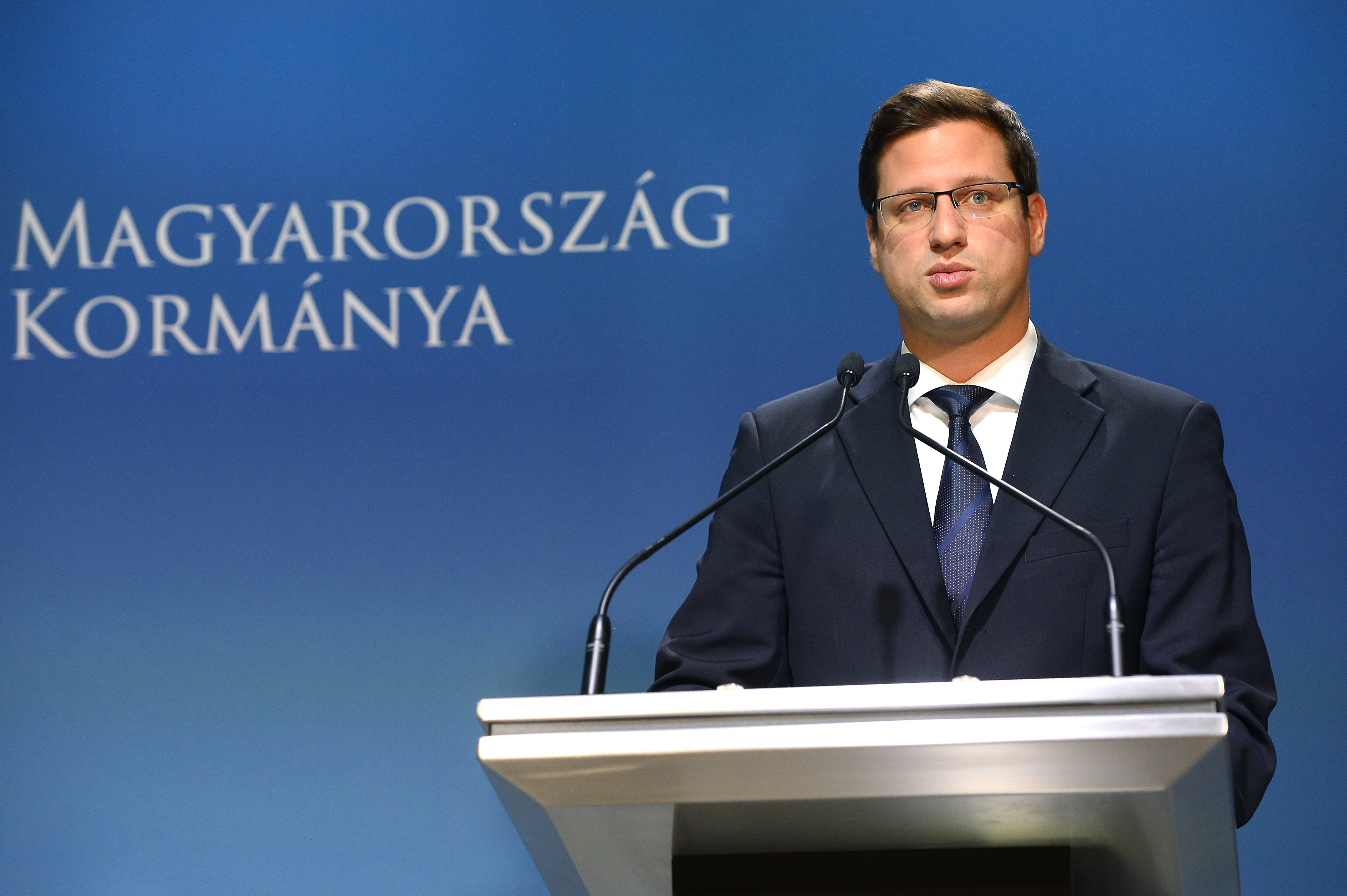 Gergely Gulyás weist die Korruptionsvorwürfe gegen Viktor Orbán als Verleumdung zurück post's picture