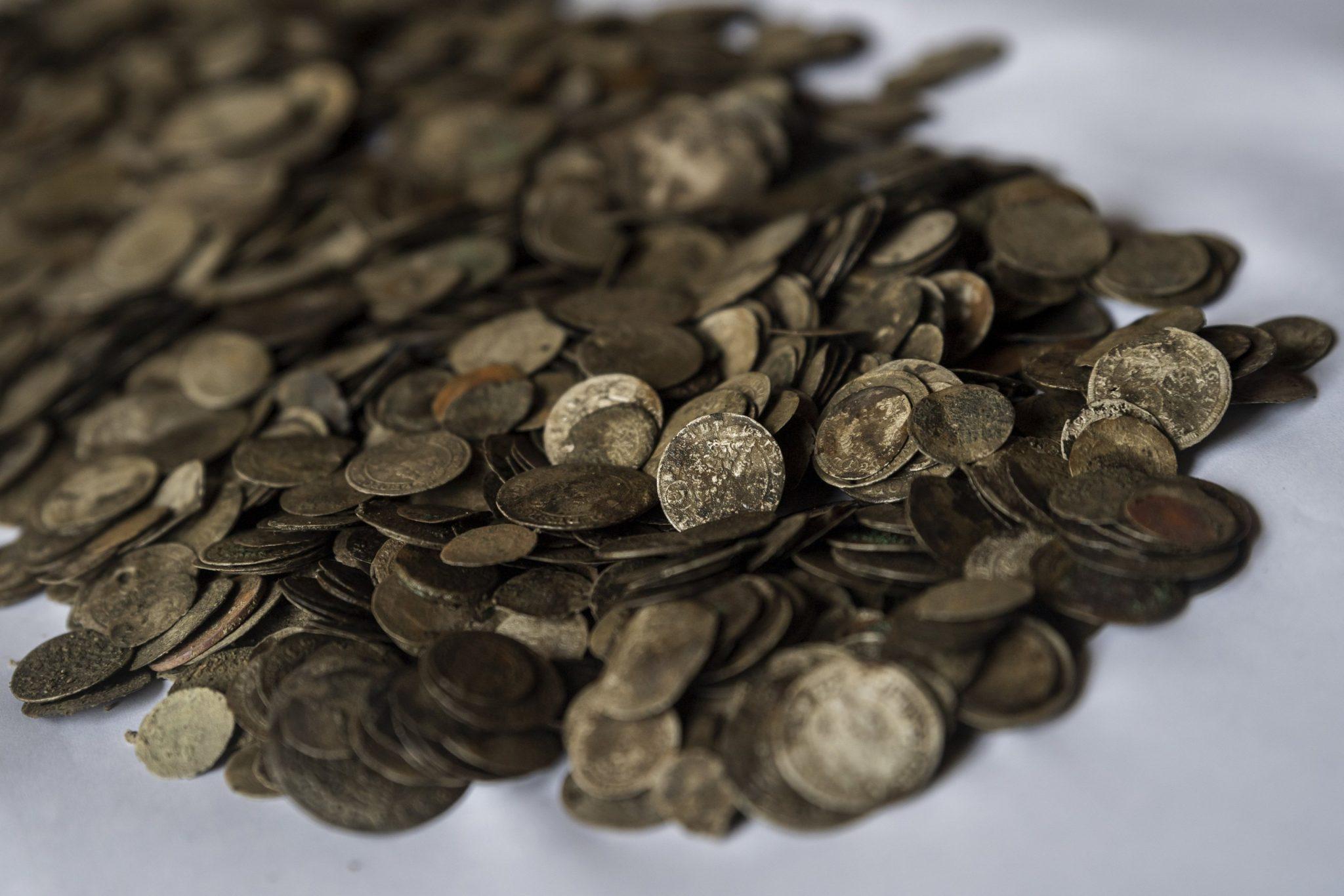 Verlorene Goldschätze Der Donau Gefunden In Der Nähe Von Budapest