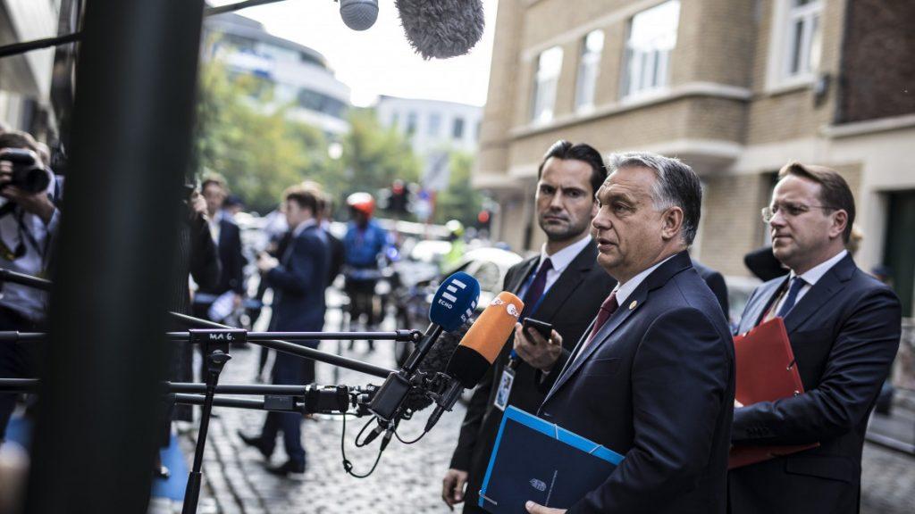 """""""Wir sind im Krieg, aber unsere Positionen sind gut"""" – Orbán kommt zum EVP-Gipfel in Brüssel an"""