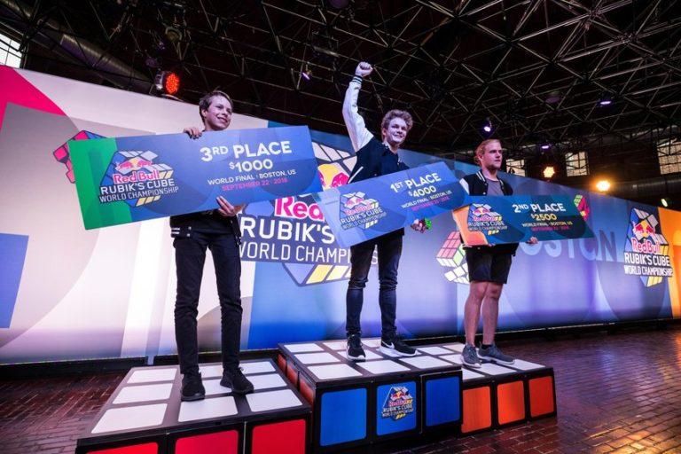 Ungarische Silbermedaille bei der Rubik Cube Weltmeisterschaft post's picture