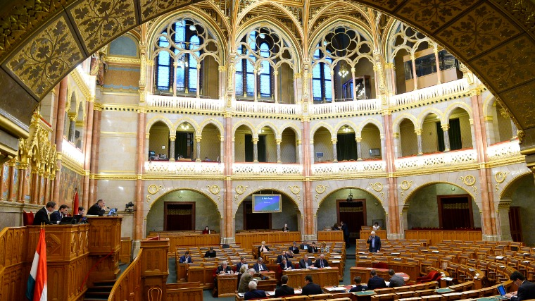 Ungarisches Parlament stimmt gegen Sargentini Bericht post's picture