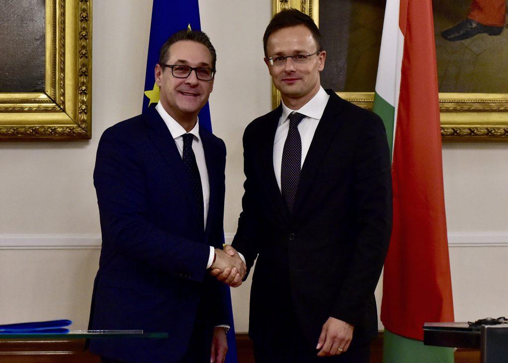 Österreich und Ungarn planen zusammen Grenzschutz post's picture