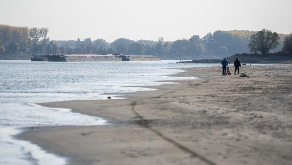 Landwirte können aufgrund des niedrigen Wasserstandes der Donau kein Getreide transportieren