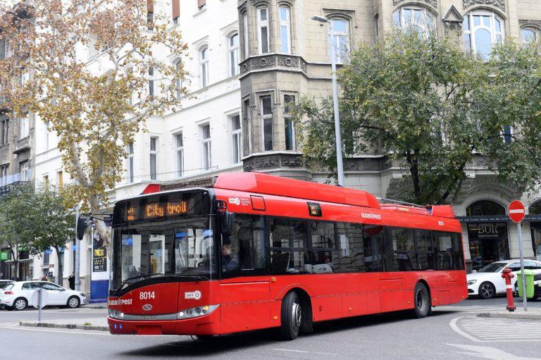 Neue Trolleybusse in Budapest
