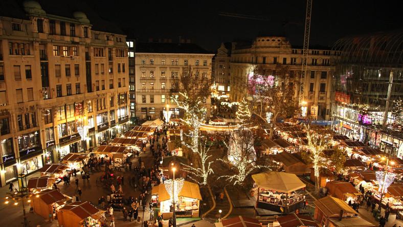 Weihnachtsmarkt in Budapest eröffnet post's picture
