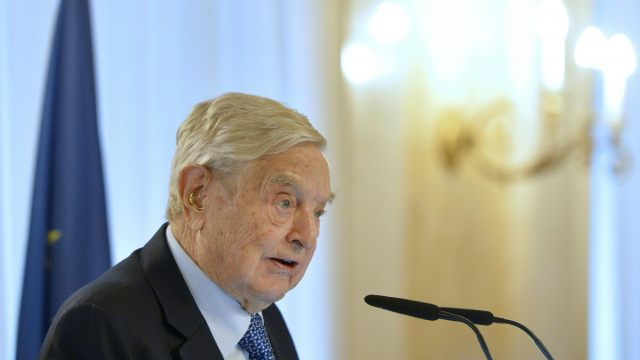 """Szijjártó: Soros-Uni will nur """"politischen Stunk"""" machen post's picture"""