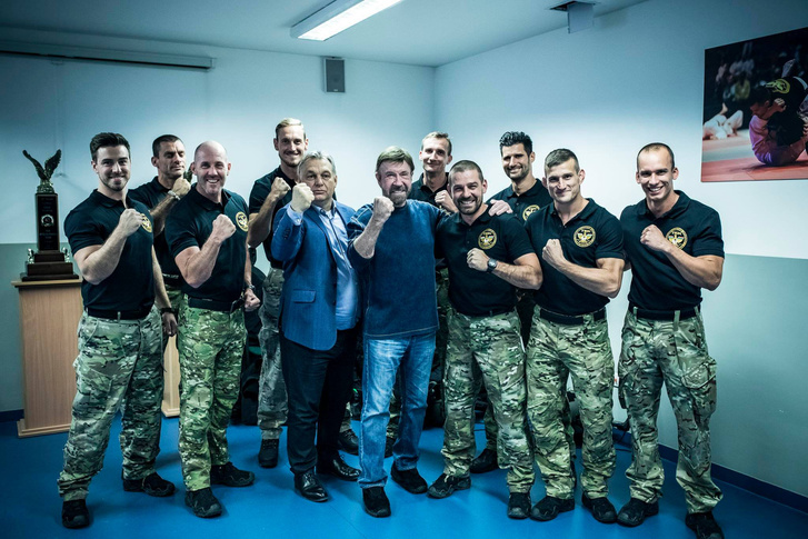 Chuck Norris trifft Viktor Orbán in Ungarn