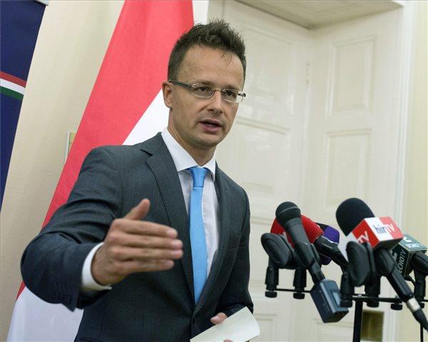 Szijjártó: Ungarische Diplomaten halfen Gruevski, durch den Balkan nach Ungarn zu kommen post's picture