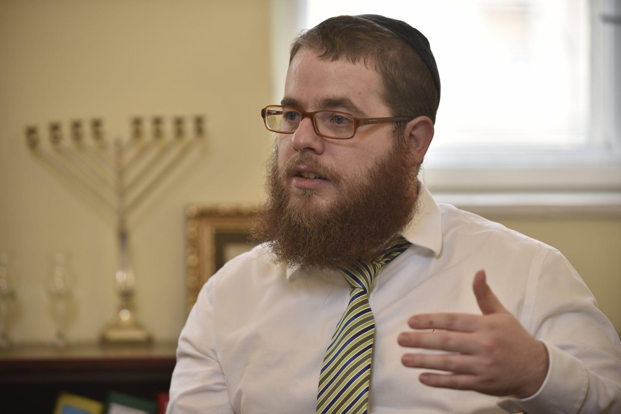 """Rabbiner Slomó Köves: """"Der Antisemitismus geht in Ungarn zurück"""" post's picture"""