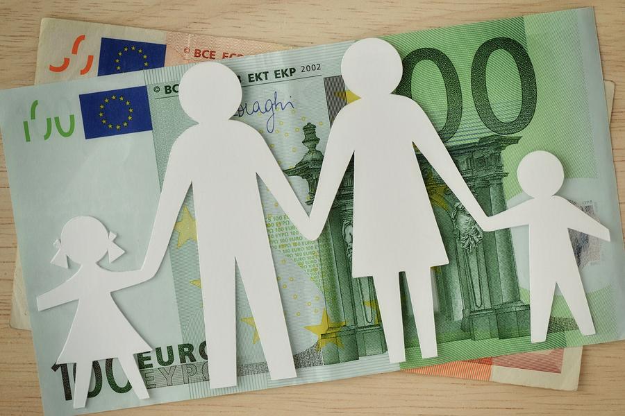 EU überprüft österreichische Familienbeihilfen dank der Visegrád Staaten post's picture