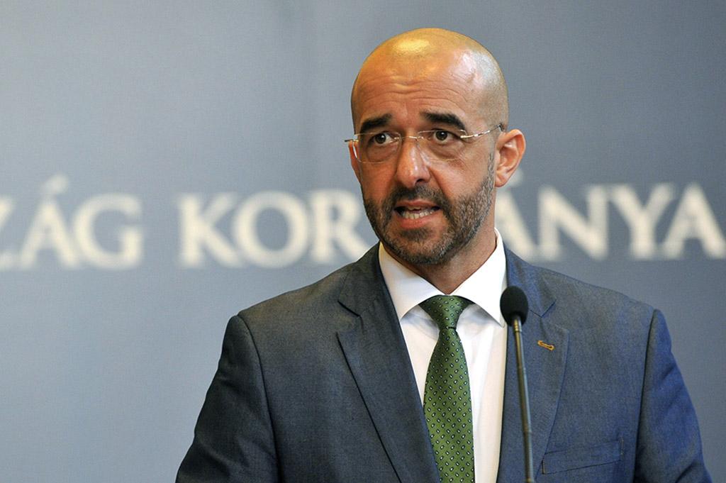 """Staatssekretär Kovács: """"Ungarisches Parlament von ungarischen Menschen angeführt"""" post's picture"""