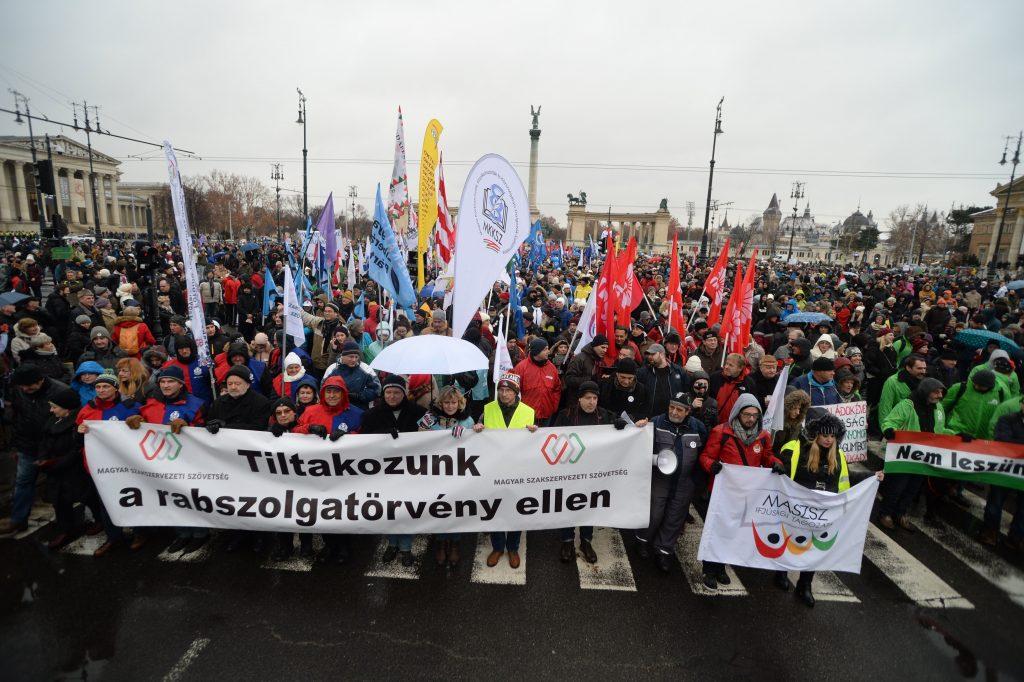Presseschau: Opposition vereint im Widerstand gegen die Regierung post's picture