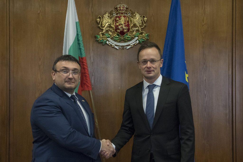 Szijjártó in Sofia: Weitere harte Maßnahmen sind erforderlich post's picture