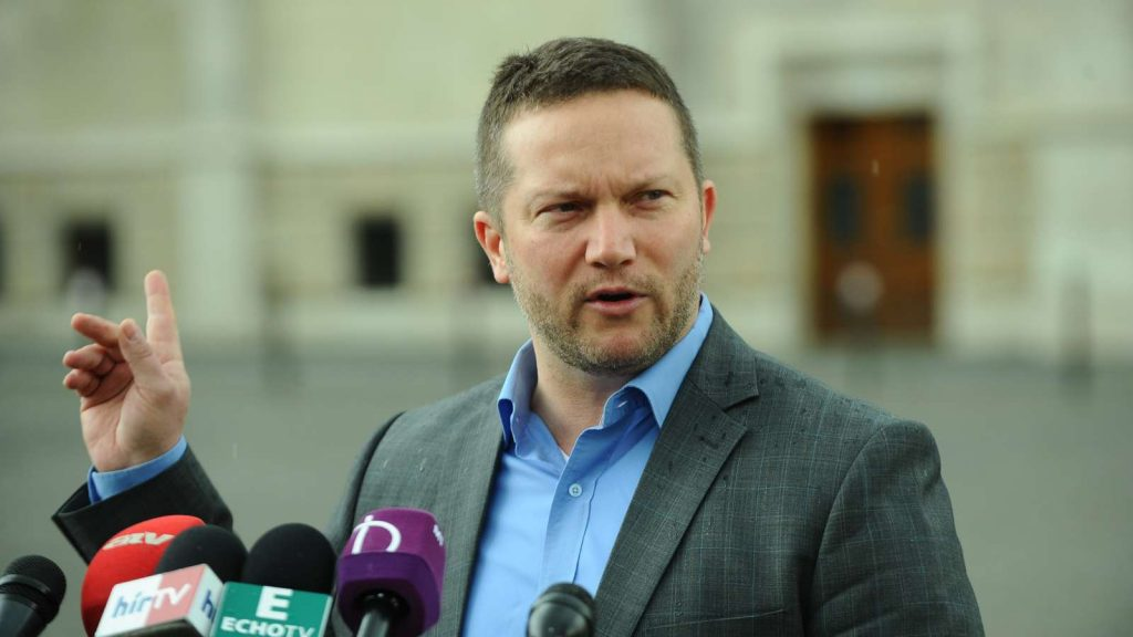 Oppositionsparteien: Orbán spricht nicht über die wahre Situation Ungarns post's picture