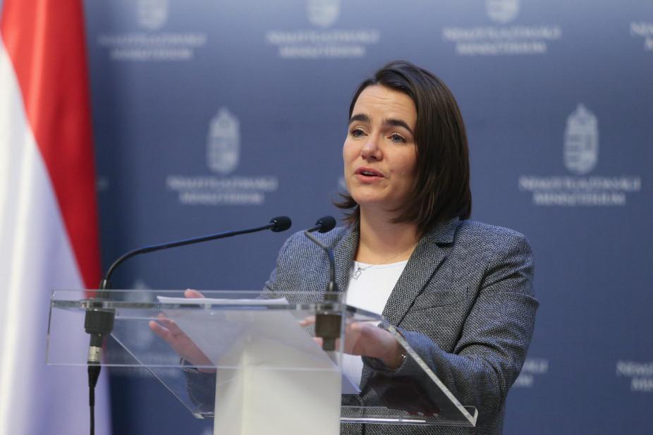 """Staatssekretärin Novák: """"Fidesz hat heute eine stäkere Position in Europa"""""""