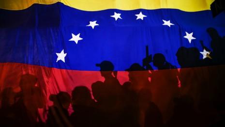 """Minister Gulyás: 30 Familien warten noch auf """"Heimkehr"""" aus Venezuela – Opposition empört post's picture"""