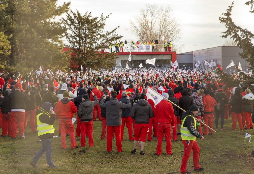 Presseschau: Lohnerhöhungen beenden Audi-Streik