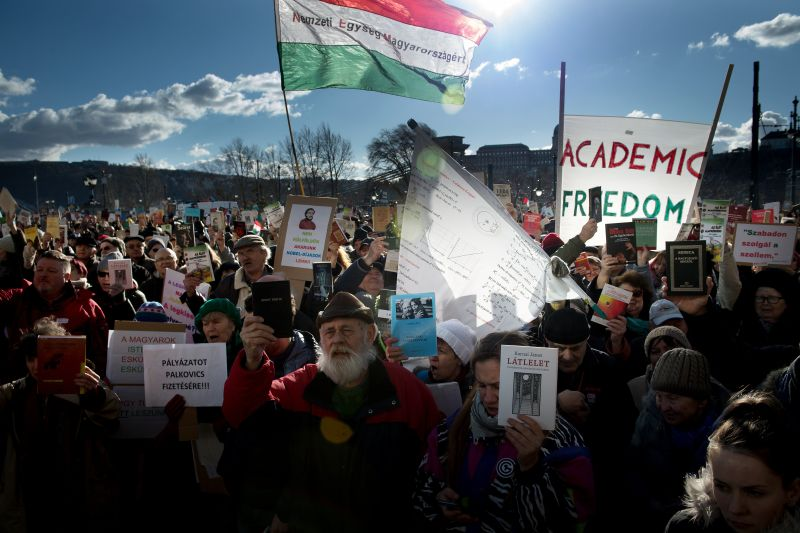 Demonstrationen für die Ungarische Akademie der Wissenschaften