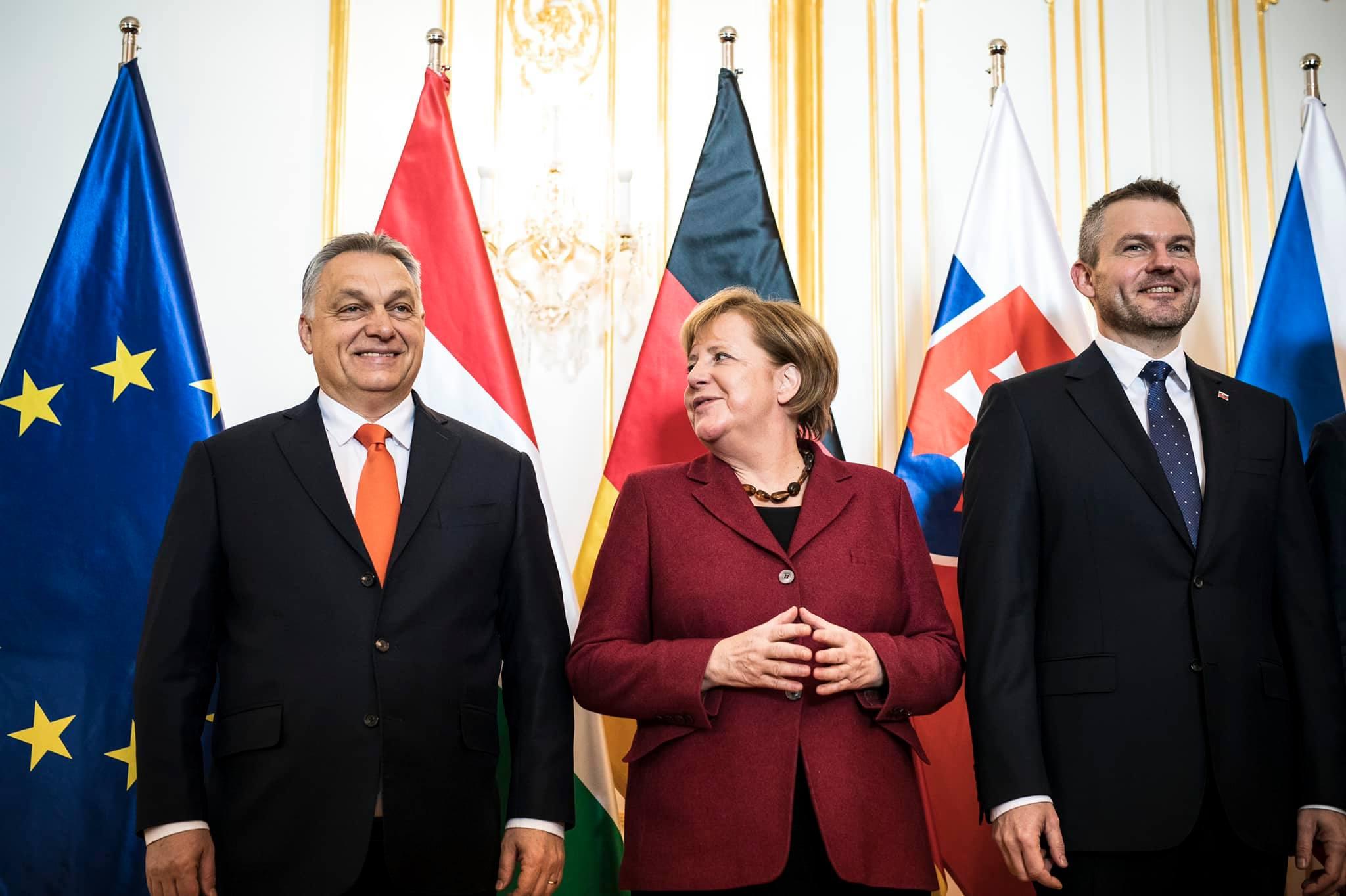 """Merkel-V4-Treffen: """"Einheit ist der Schlüssel"""" post's picture"""