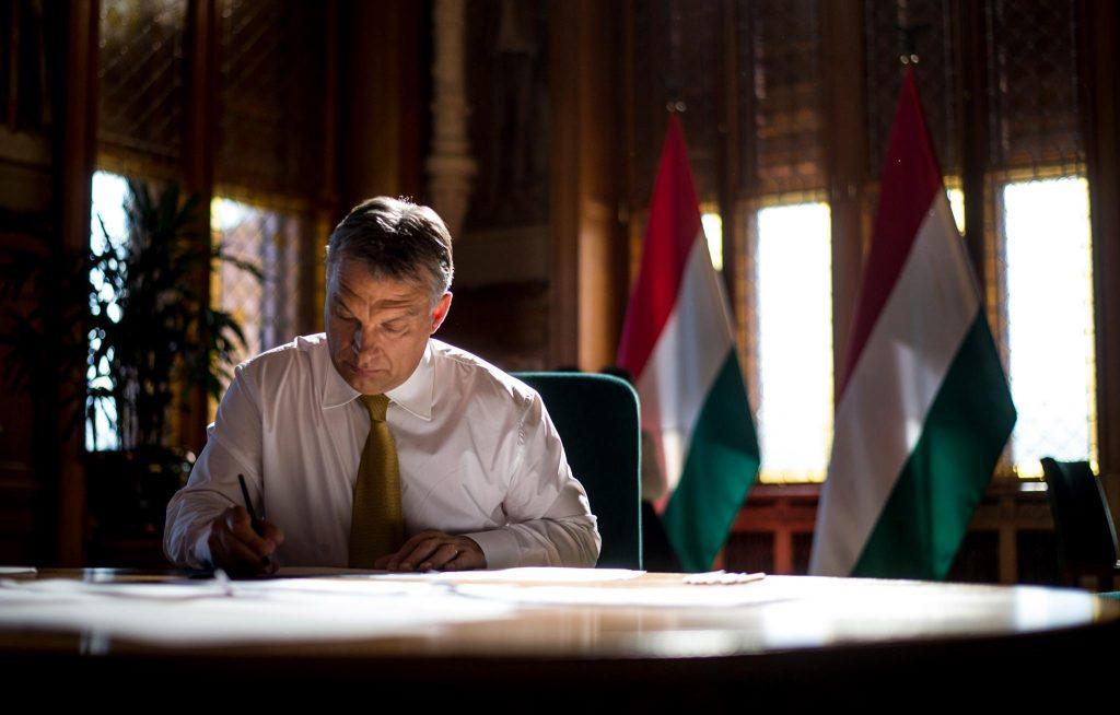 Ultimatum erfüllt? Premier Orbán entschuldigt sich bei EVP-Mitgliedsparteien post's picture