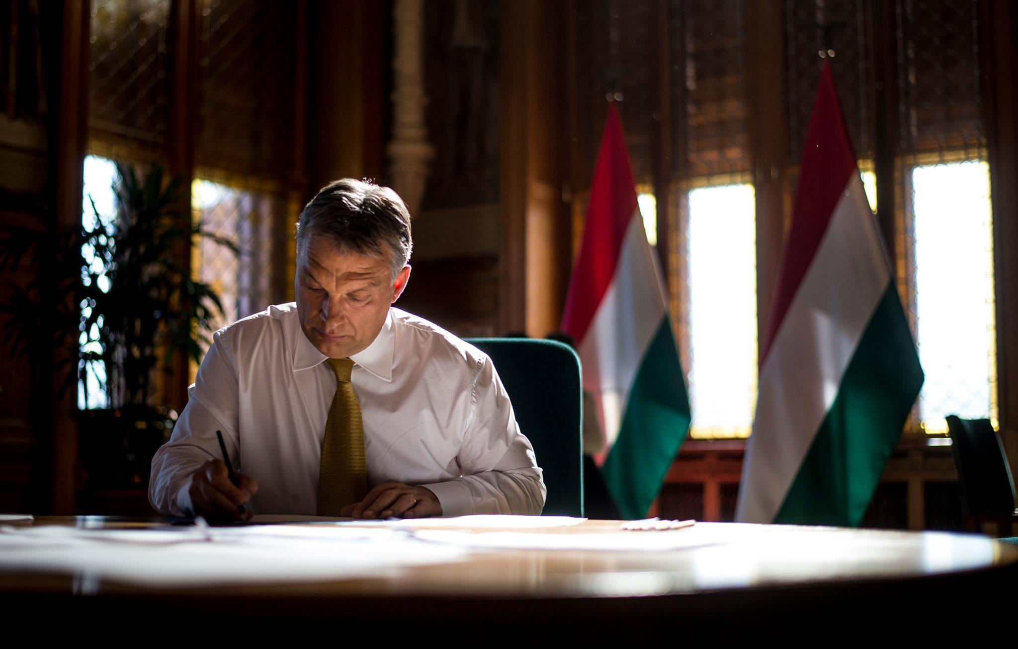 Orbán und Áder drücken ihr Mitgefühl der Slowakei aus post's picture